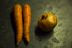 Carrots and Onions Test Shot (Alvimann) Tags: alvimann carrot onion cebolla zanahoria zanahorias vegatable vegetal