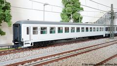 Roco 64061-1 Schnellzugwagen 2.Klasse der ÖBB für den Militärverkehr (Freestyler26M) Tags: roco modelleisenbahn interregio militär 64061 bimz bimdz öbb dbag dbbahn spurh0 abteilwagen grosraumwagen flixtrain flixbus