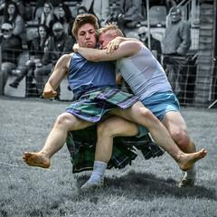 Backhold Wrestling (FotoFling Scotland) Tags: argyll event lochlomond scotland wrestling backholdwrestling highlandgames kilt luss lussgathering lusshighlandgames unitedkingdom