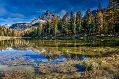 Lago sulle Dolomiti (giannipiras555) Tags: lago trentino altoadige montagna dolomiti alberi foglie riflessi natura cielo nuvole panorama paesaggio landscape antorno trecime
