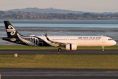 Air New Zealand Airbus A321 (Daniel Talbot) Tags: a21n akl airnewzealand airbus airbusa321 airbusa321neo auckland aucklandairport aucklandregion nzaa newzealand northisland teikaamāui zknnc aircraft airplane airplanes airport autumn aviation evening maker oceania plane season seasons transportation