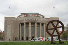 Berlin am 12.4.2019 (pilot_micha) Tags: 12042019 2019 april2019 berlin deutschland frühling hauptstadt rosaluxemburgplatz stadt theater volksbühne capitalcity city germany spring theatre