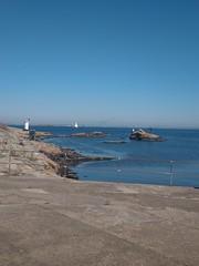 vinga (helena.e) Tags: helenae vinga hav ocean water vatten fyr lighthouse htc hteu12 husbil ålsa rv motorhome himmel sky blå blue
