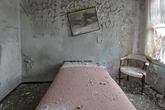 View askew. (Ewski Images) Tags: sony urbex exploration bedroom rurex rural hotel abandonedplaces abandoned decay
