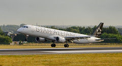 air dolomiti star alliance I-ADJV (K.D_aviation) Tags: lot staralliance special livery polisch airport aviation airbus air boeing belgium brussels brussel vliegtuig