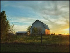 Sundown.... (Sherrianne100) Tags: sundown barn fence farm ozarks missouri