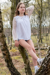Ava in a Tree (Sue_Hutton) Tags: april2019 ava michaellauphotography peakdistrict spring surpriseview models workshop