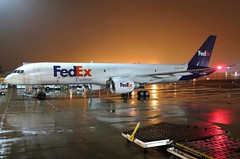 N795FD FedEx Express 757-222 at KCLE (GeorgeM757) Tags: n795fd fedexexpress federalexpress 757222 nightairplane rain fog weather aircraft aviation airplane airport boeing freighter cargo kcle clevelandhopkins georgem757 canons100