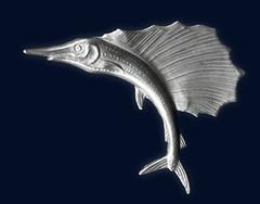 Brosche aus Silberblech - ein Segelfisch (altpapiersammler) Tags: schmuck silber fisch meer fish ocean sea jewelry jewellery silver