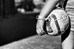 weekend! (kceuppens) Tags: weekend ball bal sports fun plezier joy black white bw blackandwhite zwart wit zw nikon d810 nikond810 nikkor 2470 28 nikkor247028vr
