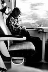Dormir un peu jusqu'à Arles... (woltarise) Tags: france fenêtre fauteuil streetwise iphone7 dormeur montpellierarles train