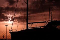 Silhouette... (hobbit68) Tags: fujifilm xt2 novo sancti petri boote boats schatten sky sonnenschein sunset sommer spanien sonnenuntergang sonne strand sunshine spain sun summer sand espana espagne espanol wolken clouds himmel andalucia andalusien hafen port puerto holiday urlaub dark abends