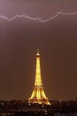 Printemps orageux (bertrand kulik) Tags: orage lightning storm sky ciel toureiffel eiffeltower paris france monument