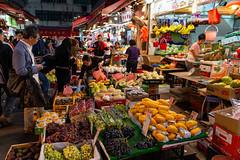 _D8E3576_LR_LOGO (Ray 'Wolverine' Li) Tags: hongkong asia asiafavorites chinese wetmarket market street streetphotography food fruit happyplanet