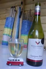 Cheers! (andreboeni) Tags: vw volks veedub volkswagen bulli transporter t1 splittie splitsceen kombi combi wine glass newzealand whire blanc villamaria sauvignon