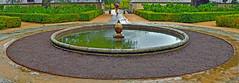 En la Casita del Príncipe (TOSATTO) Tags: jardín escorial fuente garden font lluvia rain green verde
