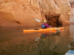 DSCN8993 (Lake Powell Adventure Company) Tags: kayak kayaking kayakinglakepowell lakepowellkayak paddling slotcanyon southwest lakepowel lglencanyon page utah glencanyonnationalrecreationarea watersport guidedtour kayakingtour seakayakingtour seakayakinglakepowell arizonahiking arizonakayaking utahhiking utahkayaking recreationarea nationalmonument coloradoriver antelopecanyon labyrinthcanyon facecanyon boat people water arizona