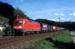 182 024  bei Erpel  16.09.04 (w. + h. brutzer) Tags: erpel 182 taurus eisenbahn eisenbahnen train trains deutschland germany elok eloks lokomotive locomotive zug db nikon webru analog
