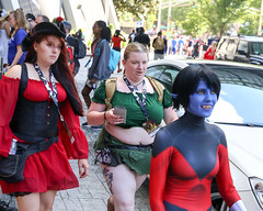 2018_DC_6d_3881 (Knox Triathlon Dude) Tags: 2018 dragoncon belly midriff abs female woman girl pretty beautiful costume scifi entertainment sciencefiction erin plussize chubby cute princess bbw big croptop bellyshirt