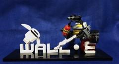 LEGO WALL-e and EVE from PIXAR movie. (daisy brick) Tags: pixar lego