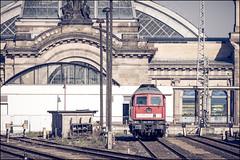 Dresden Hbf (Chris 1971) Tags: 2413532 dbbr241 drbr132 dresden hbf hauptbahnhof ludmilla luhanskteplovoz ukraine erfurterbahnservicegmbh v300 deloc dieselelectric diesellocomotive diesellok liniendiesel lijndiesel mainlinediesel ebs 1976