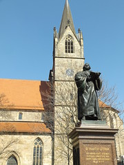 Martin Luther Statue in front of the Kaufmannskirche, Erfurt, Thuringia, Germany, 15 April 2019 (AndrewDixon2812) Tags: erfurt thuringia thüringen germany deutschland martin luther statue stgregory church kaufmannskirche anger