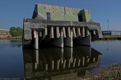Waterliniepad Houten & Nieuwegein (Maarten Kerkhof) Tags: fujifilmxe2 kazematten lekkanaal nieuwehollandsewaterlinie w kazematschalkwijksewetering objettrouvé xe2