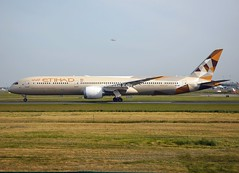 """Etihad                          Boeing 787 """"Dreamliner""""                                            A6-BME (Flame1958) Tags: etihad etihadb787 etihaddreamliner b787 787 dreamliner boeingdreamliner dub eidw dublinairport 210419 0419 2019 8857 a6bme"""