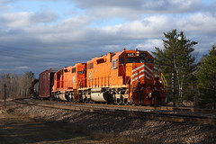 Up North For the Summer (Kevin Madsen) Tags: j sd32 sd38 662 665 bntransfer cn bnsf eje