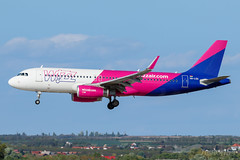 HA-LSA | Wizz Air | Airbus A320-232 | BUD/LHBP (Tushka154) Tags: hungary spotter airbus ferihegy budapest a320232 a320 halsa wizzair a320200 airbusa320 aircraft airplane avgeek aviation aviationphotography budapestairport lhbp lisztferencinternationalairport planespotter planespotting spotting