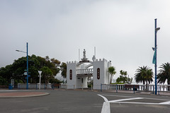 DSC05524.JPG (Jocey K) Tags: newzealand southisland blenheim marlborough picton building architecture memorial palms flags street seat fog sky