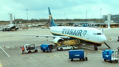 Stansted Airport - Ryanair Boeing 737 (FirefighterPJ) Tags: baggage flying flight uk germany dortmund bluehandling tarmac apron stanstedairport boeing737 ryanair