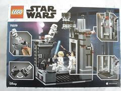 75229 - box rear (fdsm0376) Tags: lego set review 75229 death star escape wars leia princess organa luke skywalker stormtrooper mouse droid