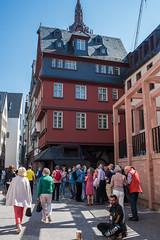 2019 Bettler auf dem Krönungsweg (mercatormovens) Tags: frankfurt altstadt frankfurtammain neuealtstadtfrankfurt gebäude häuser