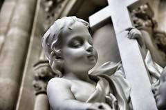 Lundi de Pâques... (OGNB) Tags: canon6dmarkii bw nb art pierre child enfant statue cross croix