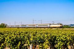 30 septembre 2011 BB 9327 Train 866865 Bordeaux -> Agen Preignac (33) (Anthony Q) Tags: 30septembre2011bb9327train866865bordeaux1523agen1650 bb9327 bb9300 ferroviaire sncf aquitaine gironde ter corail
