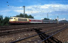 103 226  Karlsruhe  17.09.95 (w. + h. brutzer) Tags: karlsruhe eisenbahn eisenbahnen train trains deutschland germany elok eloks railway lokomotive locomotive zug 103 db webru e03 analog nikon