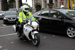 Honda VFR1200 of the Special Escort Group of the Met Police (Ian Press Photography) Tags: honda vfr1200 special escort group met police royal royalty metropolitan seg armed protection 999 service services emergency bikes bike motorbike biker motorbikes
