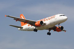 G-EZAU (IndiaEcho) Tags: airbus easyjet u2 ezy gezau a319 london gatwick egkk lgw airport airfield crawley west sussex england canon eos 1000d civil aircraft aeroplaneaviation airliner approach landing sky 08