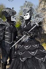 Costume vénitien (Pierre ESTEFFE Photo d'Art) Tags: ville chateau costume vã©nitien masque sullysurloire loiret france vénitien