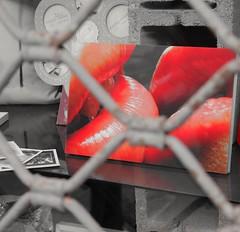 Tentazioni... (giuselogra) Tags: tentazioni temptations kiss baci bacio labbra rosso rouge red streetphotographer streetlife streetphotography streetphoto street italy italia piemonte piedmont torino turin