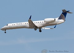 N12175 United Express (ExpressJet Airlines) Embraer ERJ-145XR (Sandro Bandeira Colaço) Tags: kord ord chicago registration n12175 airline united express expressjet airlines aircraft embraer erj145xr airport ohare intl