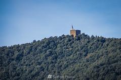 La Torre de Canadell (SantiMB.Photos) Tags: 2blog 2tumblr 2ig castellfollitdelaroca garrotxa girona invierno winter torre tower castillo castle geo:lat=4221864864 geo:lon=255481871 geotagged cataluna españa