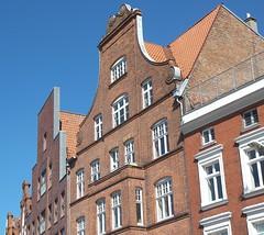 Hafenfassaden (jphintze) Tags: hafen lübeck untertrave hausfassaden fassaden backstein fenster