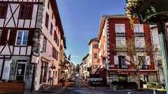 Hasparren (Miradortigre) Tags: france francia hasparren paysbasque pais vasco vascofrances commune pyrénéesatlantiques nouvelleaquitaine pueblo town basque