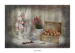 af1904_6744 relembrança (Adriana Füchter ... thank you for 9 Million Views) Tags: candy chocolate eggs pastel stilllife adrianafüchter casaldecoelhos couper naturemorte naturezamorta stilleben naturamorta composition creativephotography artisticphoto easter tabletop bouquet flowers paintedeggs candlestick box pitcher plate candle doily seramics metal lace availablelight lavender canon happyeaster holiday rabbit toy flocked poseable woods bunny art sunday vase ceramics ambientlight alimento ovos comida food brown huevos breakfast uevo pascoa object objeto brazil farm vintage retro antigo avicultura objetos coisas significâncias caseiros things