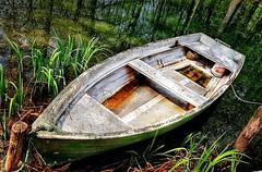 Viatje   -  Travel (Miquel Lleixà Mora) Tags: barca llac boat aigua water lake travel viatge