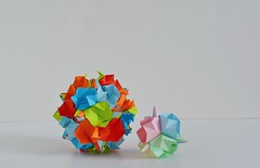 Genua Kusudamas (Byriah Loper) (Byriah Loper) Tags: kusudama origami origamimodular modularorigami modular byriahloper byriah paperfolding paper polygon polyhedron pentagonal
