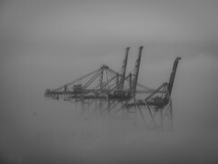 IMG_0139_106566.jpg (jaimcito55) Tags: cranes architecture bw weather construction arindustrial arbuildingusegroup