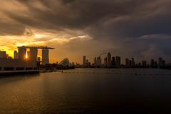 Sunset behind Marina Bay Sands (ctheisinger) Tags: singapore centralregion mbs marina bay sunset sands flyer gardens by barrage seascape golden light